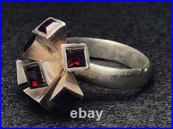 Ring Sputnik Red Garnet Gemstone marked SF 925 Sterling Silver Retro Size 8